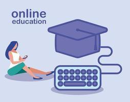 Mujer con teclado de computadora con sombrero de graduación, educación en línea