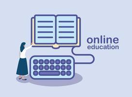 mujer con libro y teclado para la educación en línea