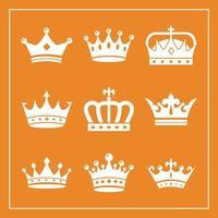 paquete de nueve coronas de oro iconos de estilo de silueta real vector