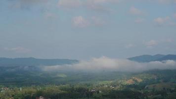 La niebla en Khao Kho, Phetchabun, Tailandia video