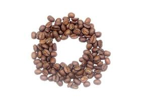 granos de café. Aislado en un fondo blanco