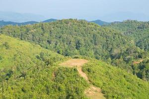 bosques y montañas en tailandia foto