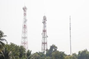 torres de transmisión de telecomunicaciones foto