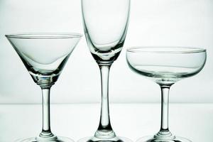 vasos sobre fondo blanco foto