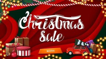 Venta de Navidad, banner de descuento horizontal rojo en estilo de corte de papel con regalos de Navidad y coche vintage rojo con árbol de Navidad