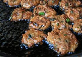 empanadas de pescado frito