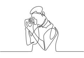 fotógrafo joven turista con una cámara toma fotografías. teniendo una vista natural. concepto de fotografía vector diseño minimalista.