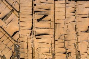 Tablones de madera con pintura descascarada para textura o fondo foto