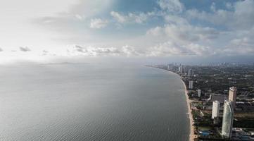 vista aérea, de, pattaya, playa, tailandia foto