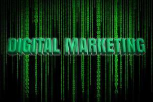 Palabras de marketing digital con código binario en pantalla.