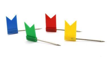 alfileres de bandera de colores