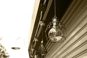 Lámparas exteriores en edificio. foto