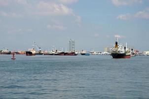 buques de carga de contenedores foto