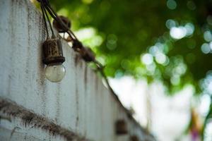 lámpara en la cerca