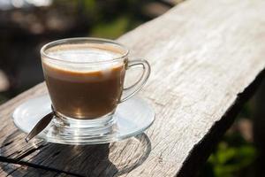 café en terraza de madera