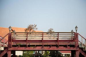 puente sobre el canal foto