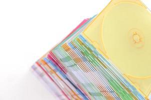 pila de cajas de cd