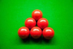 bolas de billar en la mesa