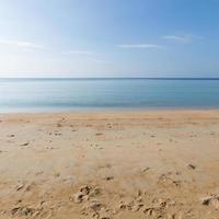 playa en phuket, tailandia