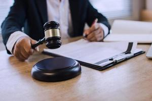 Person using a gavel photo