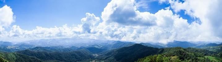 montañas y cielo foto