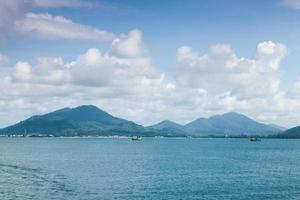 montañas, mar y cielo foto