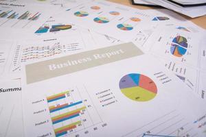 informe comercial de gráficos y tablas