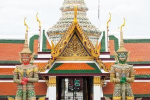 estatuas en wat phra kaew, tailandia