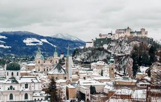 escena de invierno en austria foto