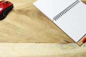 cuaderno y mouse