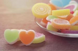 dulces caramelos de gelatina en forma de corazón
