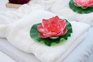 tratamiento de spa con flor de loto foto