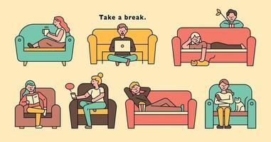 gente sentada en el sofá y relajándose. vector