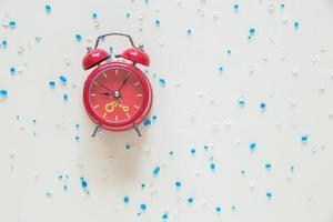 vista superior del reloj despertador foto