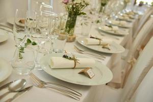 mesa con flores foto