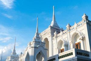 Wat thai white tower en tailandia foto