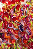 coloridas decoraciones de dragones