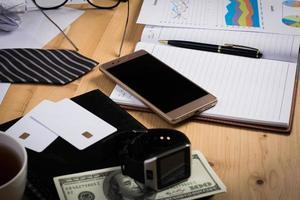 escritorio de negocios desordenado