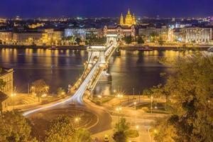 el puente de las cadenas en budapest, hungría