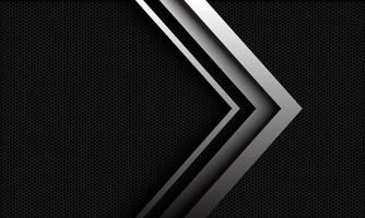 La dirección de la flecha de plata del vector abstracto se superpone en el patrón de malla hexagonal metálico oscuro con diseño de espacio en blanco ilustración de fondo de estilo futurista de lujo moderno.