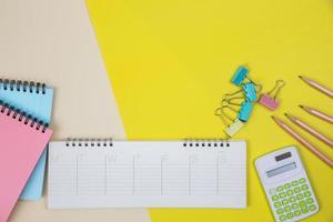 Fondo del espacio de trabajo con colores brillantes. foto