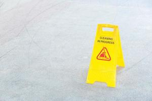 Yellow cleaning sign