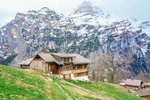 Los Alpes en Gimmelwald y Murren en Suiza