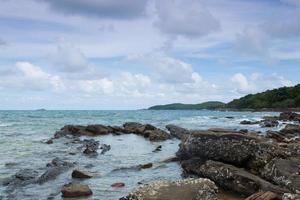 rocas en la playa foto
