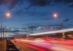semáforos en la calle foto