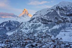 antiguo pueblo de zermatt, suiza