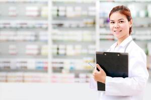 Female pharmacist, chemist, or medical doctor