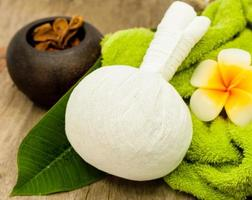 Herbal spa compress