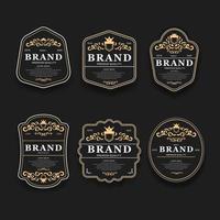 Las etiquetas de la mejor opción de calidad premium doradas y negras de lujo establecen ilustración vectorial aislada