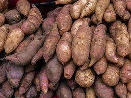 batatas rojas foto